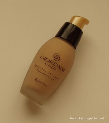 Oriflame – Giordani Gold tekući puder s mineralima