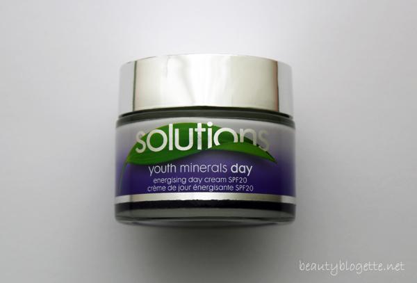 AVON Solutions Youth Minerals Dnevna krema SPF 20