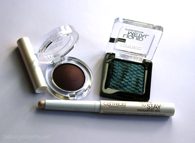 Catrice Velvet Matt sjenilo 040 Al Burgundy, Liquid Metal sjenilo 100 What Do You Sea? i Made to Stay Highlighter Pen 030 Eye Need!