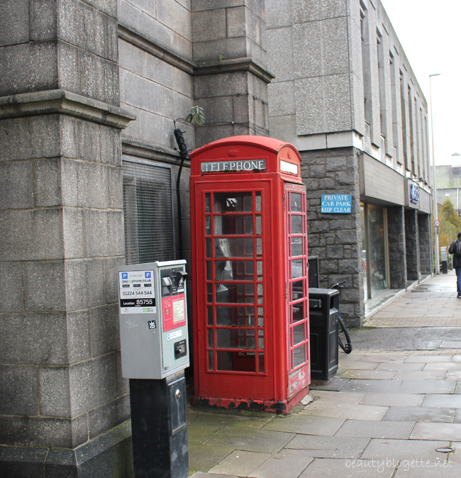 Travelogue: Aberdeen, Scotland - red telephone box