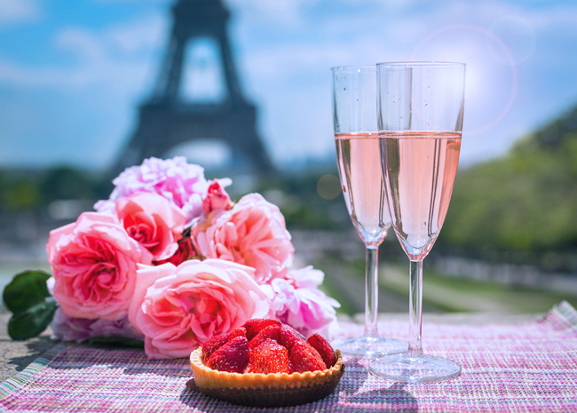 Drinks, roses and Eiffel tower photo from Shutterstock